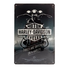 Plaque 3D métal 20x30 cm Harley Davidson: Things are different on a Harley